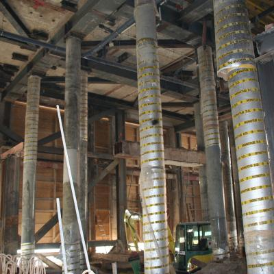 temporäre Stützekonstruktion vor Neubau